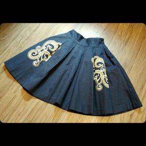 Dresses & Skirts - Beautiful Vintage style full embroidered skirt